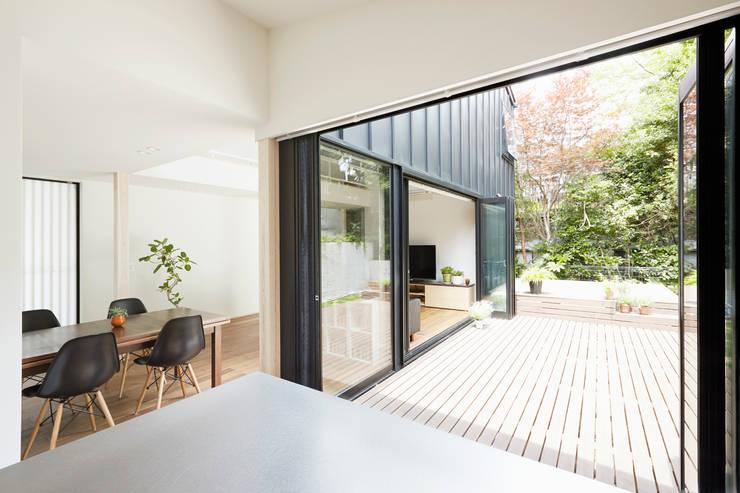 我孫子の家: 白砂孝洋建築設計事務所が手掛けた窓です。