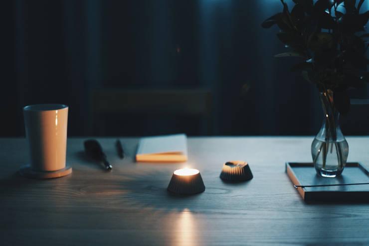 SMIN Rest collection - Concrete tealight candle holder : SMIN의 현대 ,모던