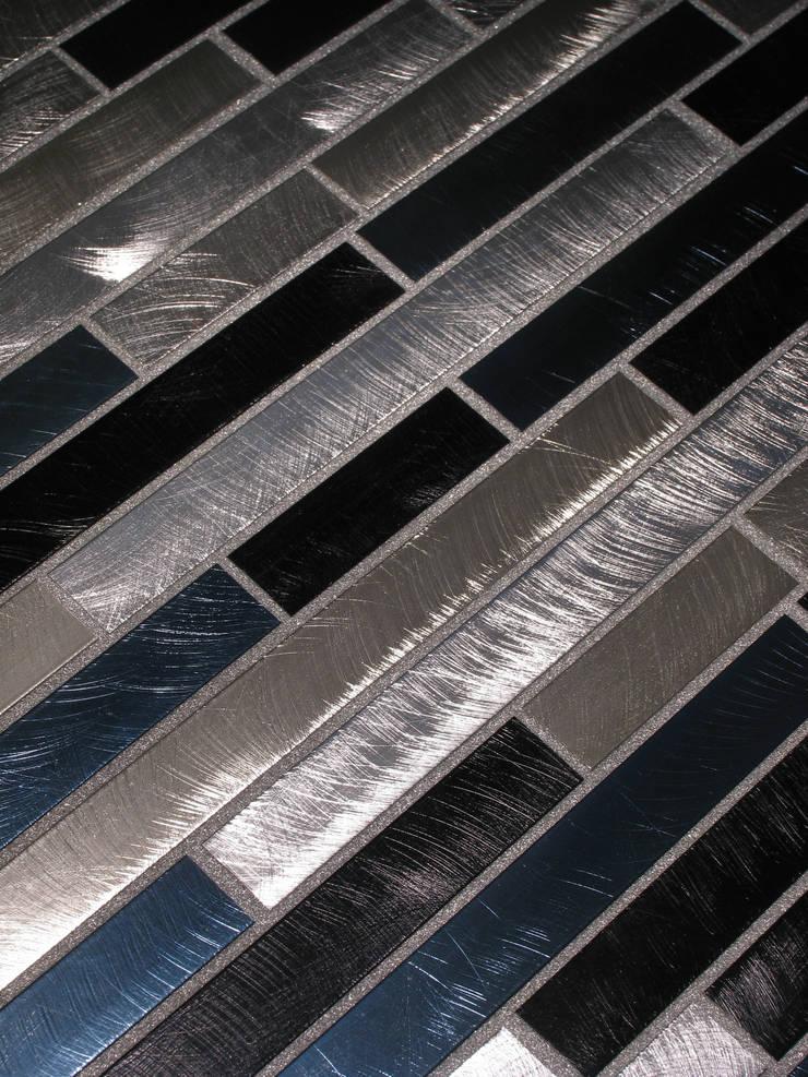 Starlike voegwerk Metallic Platinum:  Badkamer door Keramix