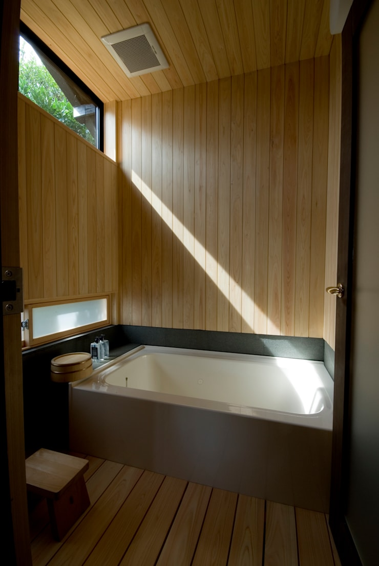 Asian style spa by 森村厚建築設計事務所 Asian Wood Wood effect