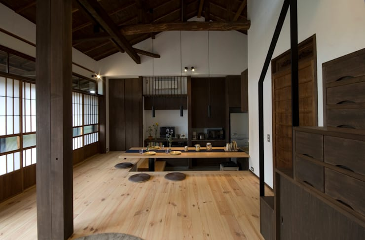 Asian style living room by 森村厚建築設計事務所 Asian Wood Wood effect