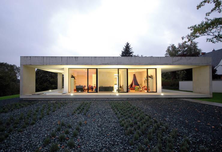 Case in stile  di Osterwold°Schmidt EXP!ANDER Architekten