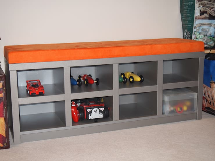 Toy/ Trainer storage and bench.:  Bedroom by Designer Vision and Sound: Bespoke Cabinet Making