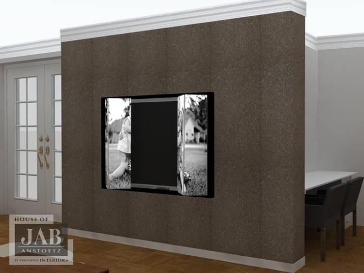 TV oplossing achter schilderij:  Woonkamer door House of JAB by Verstappen Interiors