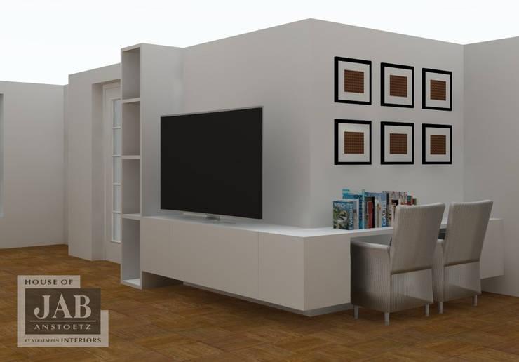 opbergruimte bureau en tv:  Woonkamer door House of JAB by Verstappen Interiors