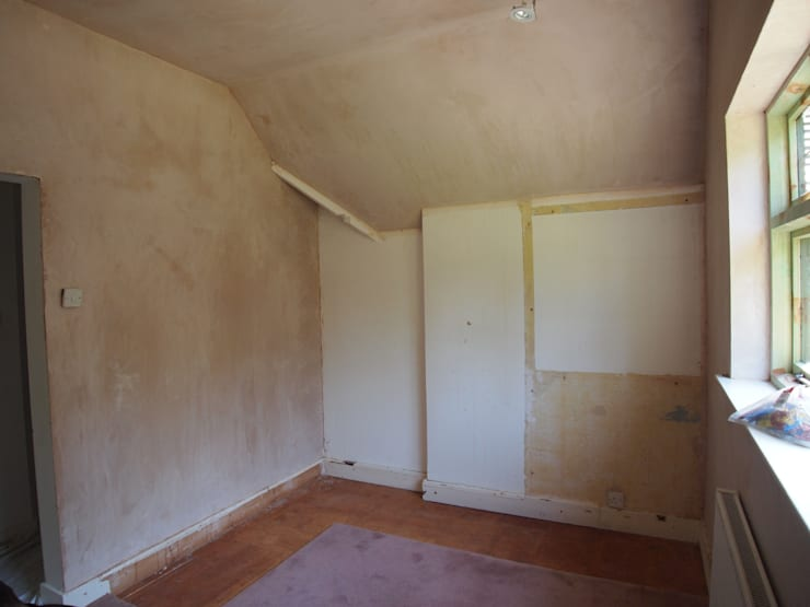 Before picture:  Dressing room by Designer Vision and Sound: Bespoke Cabinet Making