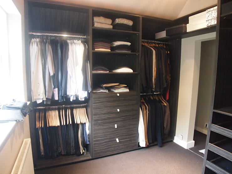 His and Her's dressing room:  Dressing room by Designer Vision and Sound: Bespoke Cabinet Making