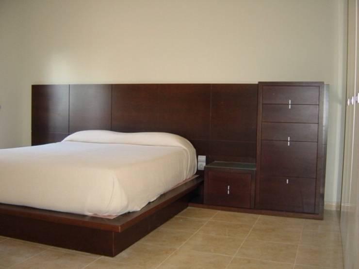 Dormitorios de estilo moderno por DEKMAK interiores