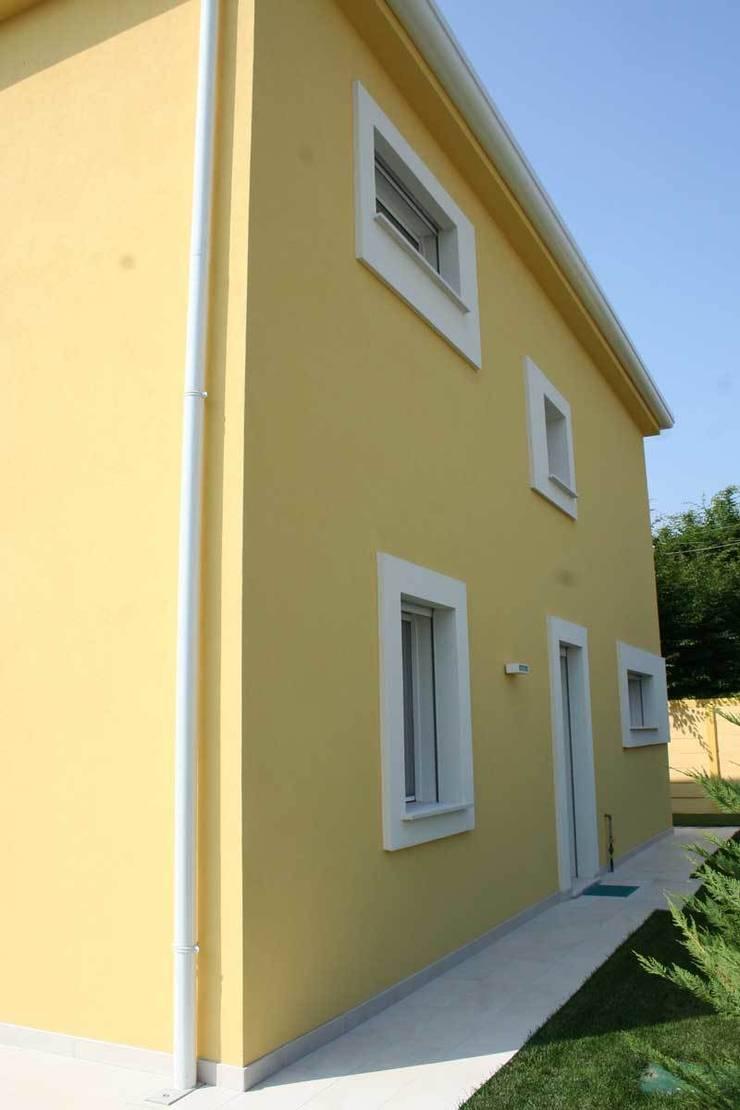 Villa E: Case in stile  di GROMATRE , Moderno