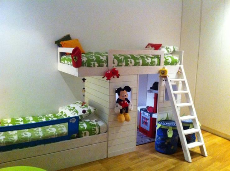 Proyectos y Mobiliario : Dormitorios infantiles de estilo  de DEKMAK interiores
