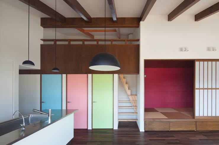 和傘の家: 田村の小さな設計事務所が手掛けた子供部屋です。