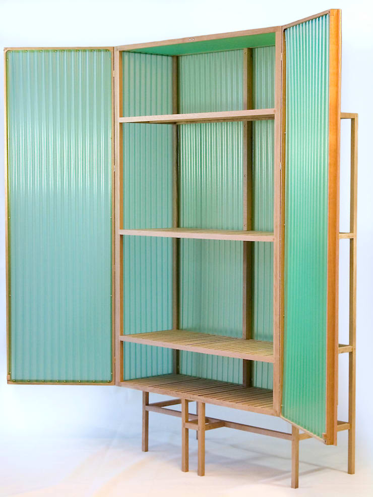 Sine cabinet.      :  Woonkamer door Dik Scheepers