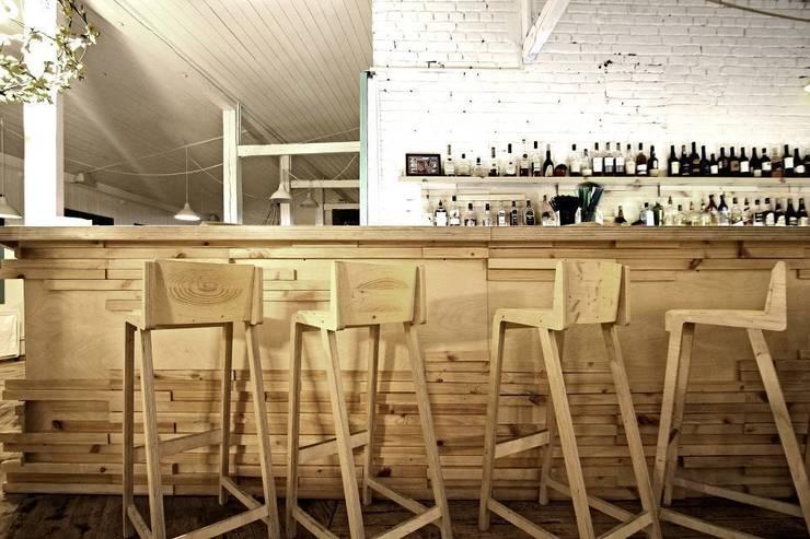 Кафе <q>32 мая</q>: Кухни в . Автор – Fineobjects