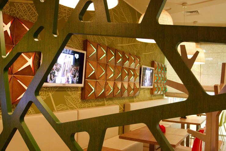 Кафе ОРИГАМИ: Кухни в . Автор – Fineobjects