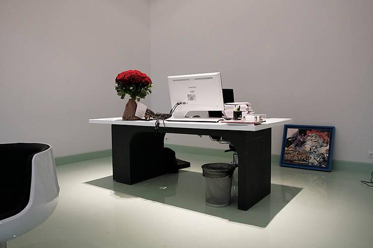 Кабинет генерального директора Sanoma Independent Media: Рабочие кабинеты в . Автор – Fineobjects