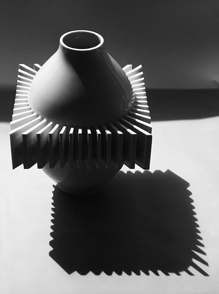 Combination: PORCELAIN STUDIO KYUNGMIN LEE 의 현대 ,모던
