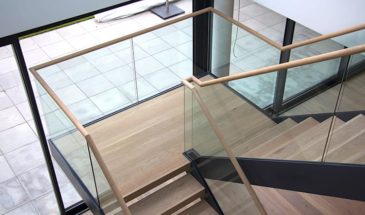 The timber and glass staircase:  Corridor, hallway & stairs by Hale Brown Architects Ltd