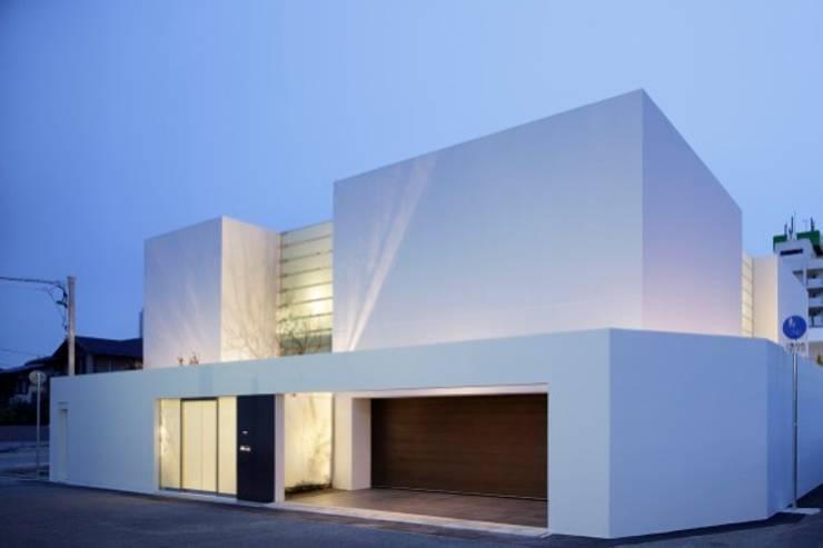 facade | HARMONIA | 高級注文住宅 | 2013 GOOD DESIGN AWARD モダンな 家 の Mアーキテクツ|高級邸宅 豪邸 注文住宅 別荘建築 LUXURY HOUSES | M-architects モダン