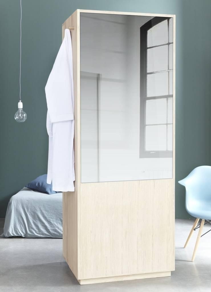 Miroir, miroir : Salle de bain de style  par La Fonction