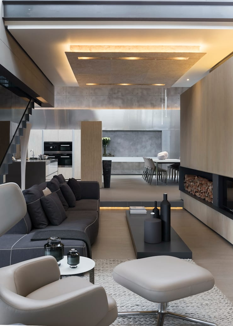 House Sar :  Living room by Nico Van Der Meulen Architects