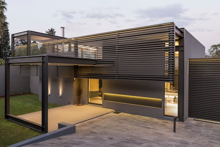 House Sar :  Houses by Nico Van Der Meulen Architects