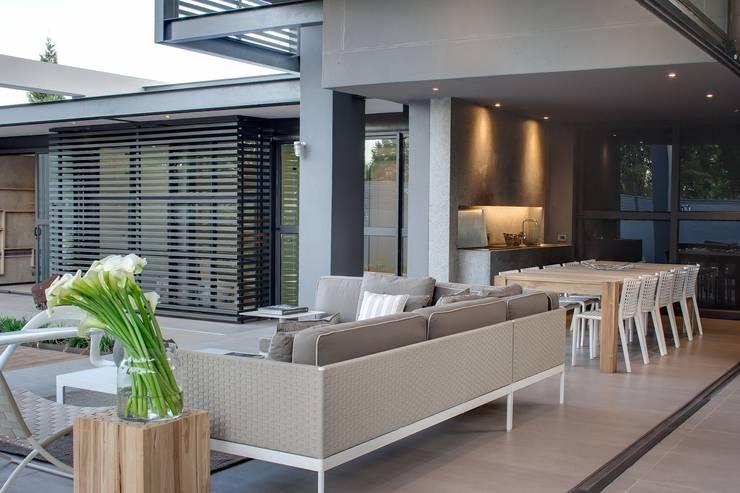 Tерраса в . Автор – Nico Van Der Meulen Architects