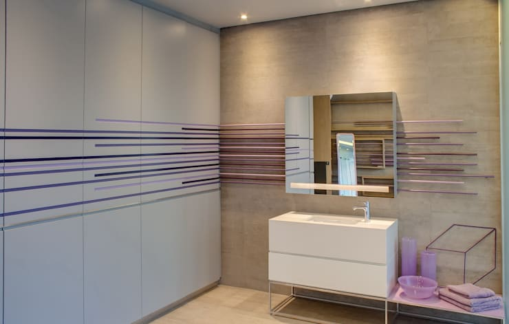 House Sar : modern Bathroom by Nico Van Der Meulen Architects