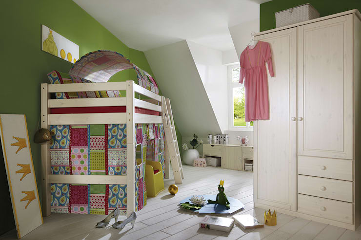 eclectic Nursery/kid's room by Allnatura