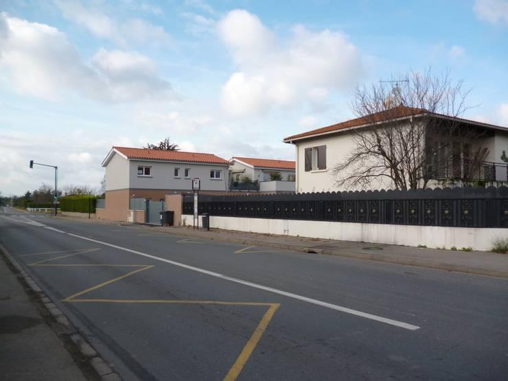 Collectif de 7 logements : CHASSIEU:  de style  par b2m-architecture