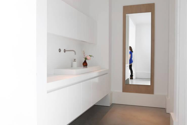 Hoofdkantoor Piet Boon:  Kantoorgebouwen door Not Only White B.V.