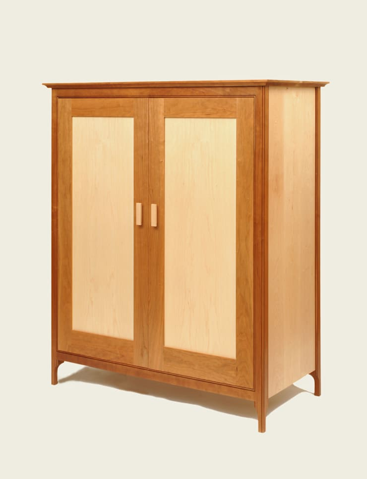 Cupboard with internal drawers - Doors closed:  Living room by Martin Greshoff Furniture