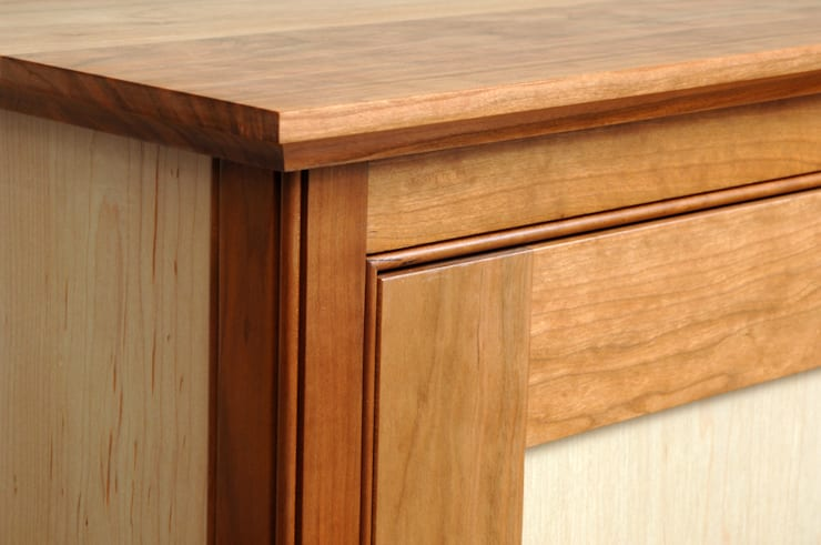 Detail of mouldings:  Living room by Martin Greshoff Furniture
