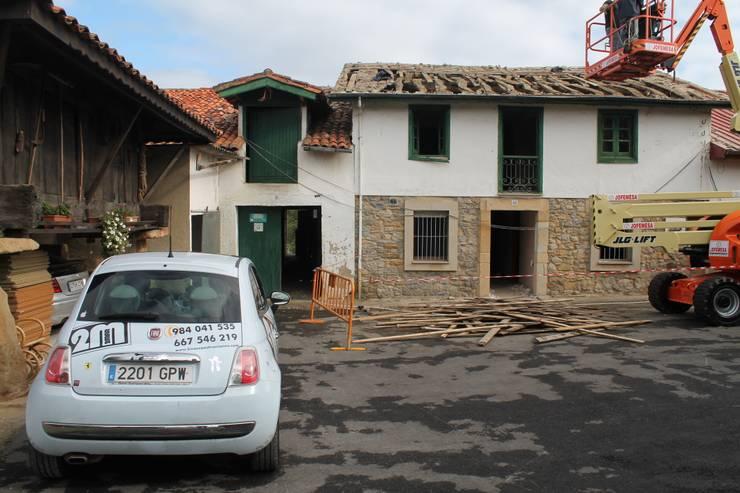 Estado antes de la Rehabilitación:  de estilo  de 2 Mar Construcciones  HNOS. VINCELLE LLAMEDO S.L.