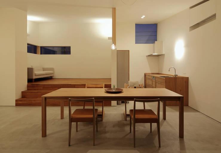 ダイニング・キッチン: 松原建築計画 / Matsubara Architect Design Officeが手掛けたリビングです。