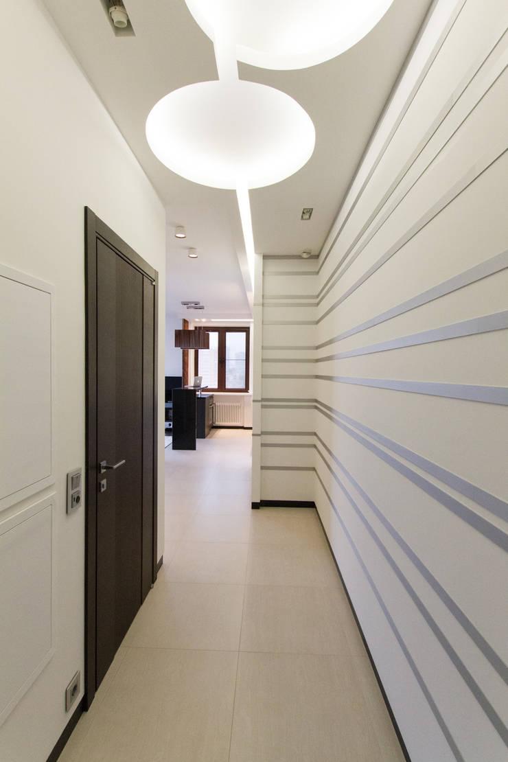 Частный интерьер – Современный минимализм: Коридор и прихожая в . Автор – Andrey Gulyaev Architects