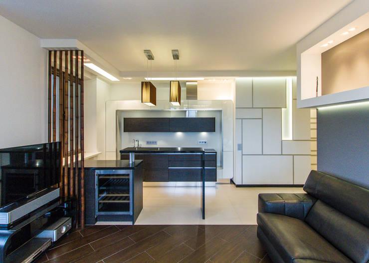 Частный интерьер - Современный минимализм: Кухни в . Автор – Andrey Gulyaev Architects