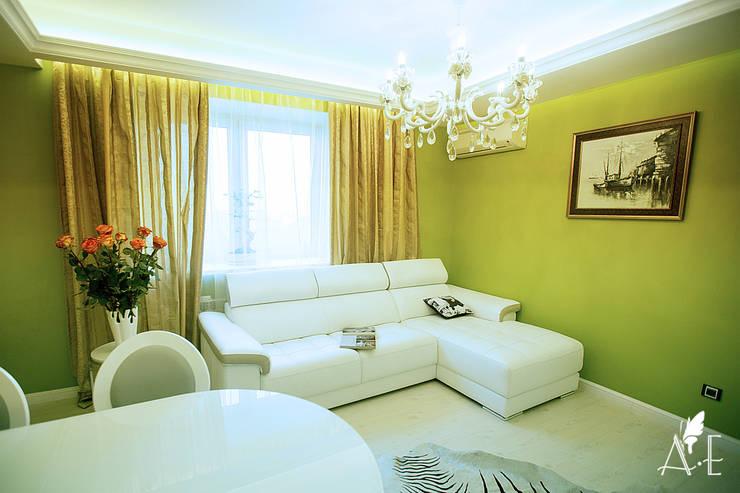 Интерьер квартиры  80 м2: Гостиная в . Автор – Apolonov Interiors, Эклектичный