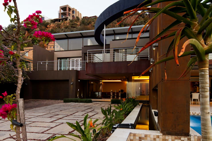 House The :  Houses by Nico Van Der Meulen Architects