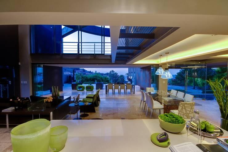 Cuisine de style  par Nico Van Der Meulen Architects