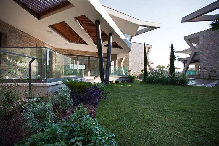 Studio BEMS – RETRON BODRUM PEYZAJ PROJESİ:  tarz Bahçe