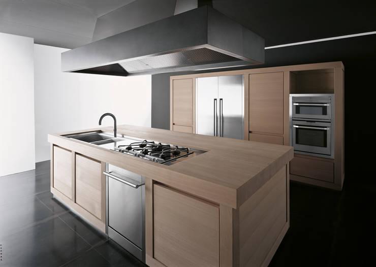 Wood 100% per Effeti: Cucina in stile  di Vegni Design
