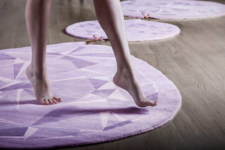 Aulana - The Midas Rug:  Walls & flooring by Wools of New Zealand