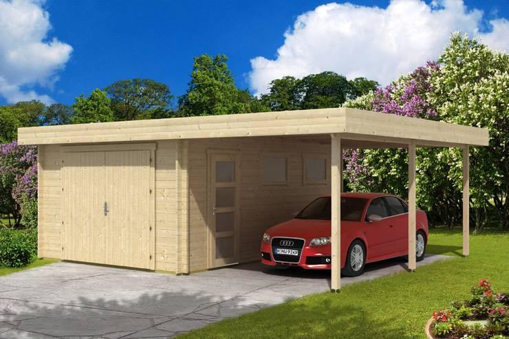 """Garaje de Madera """"Francisca 44"""": Garajes prefabricados de estilo  de BRICOJARDIN ON LINE SLU"""