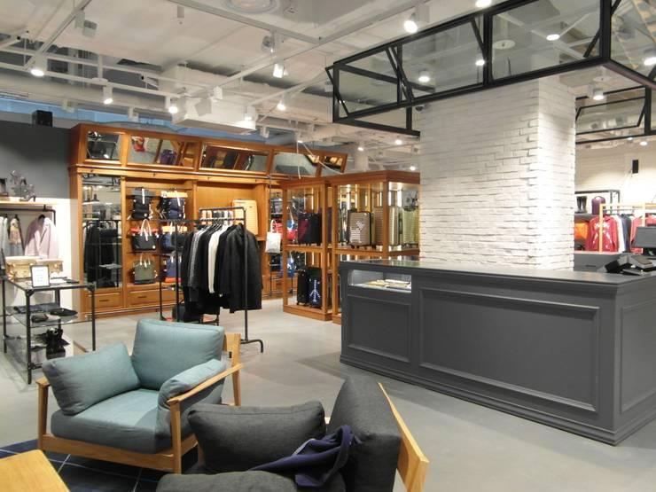 COEX Mall Premium Brand <q> R A U M </q> 빈크리트 시공 : 빈flow의  서재 & 사무실