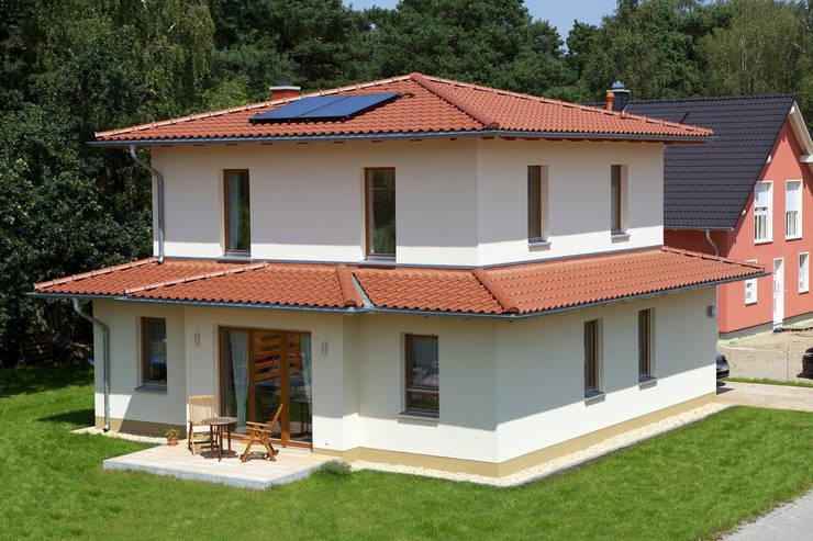 Projekty,  Domy zaprojektowane przez Massiv mein Haus aus Mauerwerk