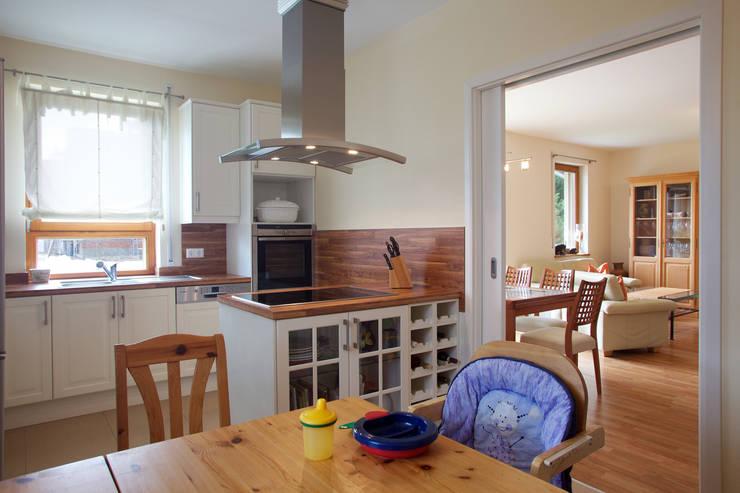 Projekty,  Kuchnia zaprojektowane przez Massiv mein Haus aus Mauerwerk