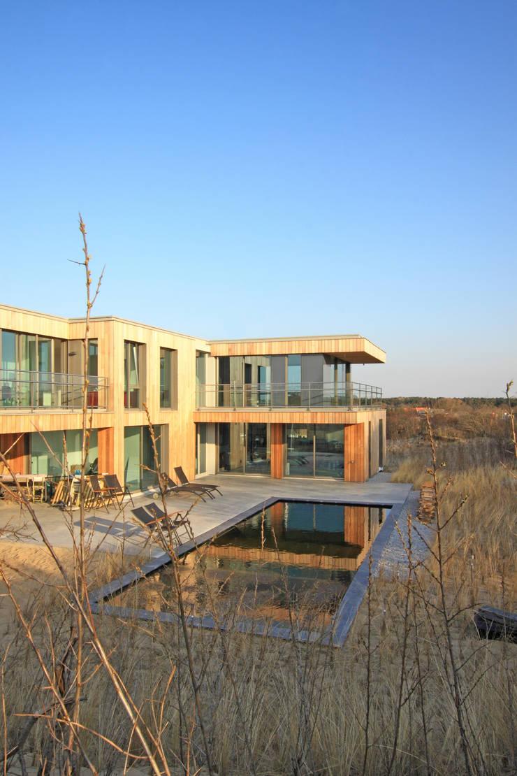 房子 by paul seuntjens architectuur en interieur, 現代風