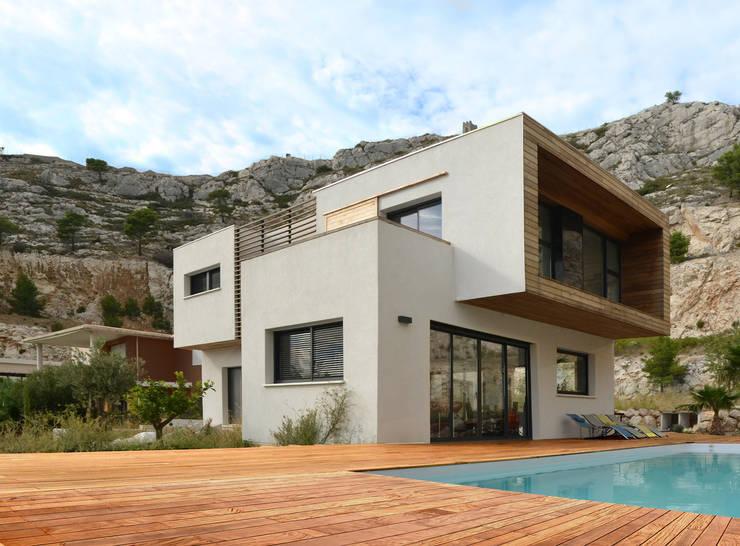 Z HOUSE : Maisons de style de style Minimaliste par AP ARCHITECTES