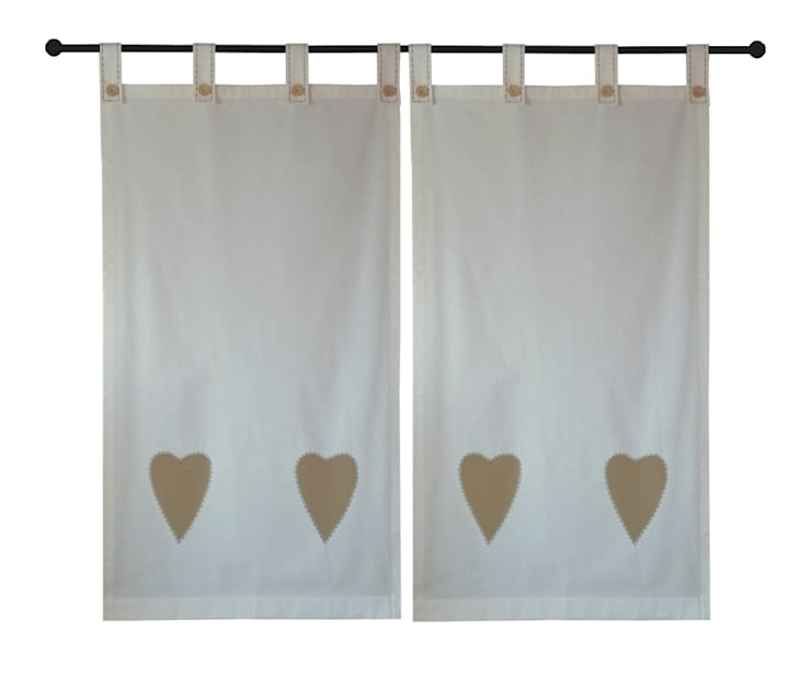zasłony z beżowymi sercami, fastrygą i guzikami: styl , w kategorii Okna i drzwi zaprojektowany przez Drewniany Guzik