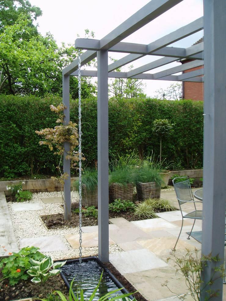 Low Maintenance Garden Design: Low Maintenance Garden By Cherry Mills Garden Design